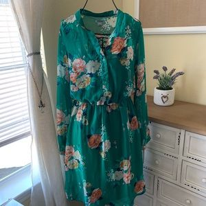 Old Navy Green Floral Dress in Size Small